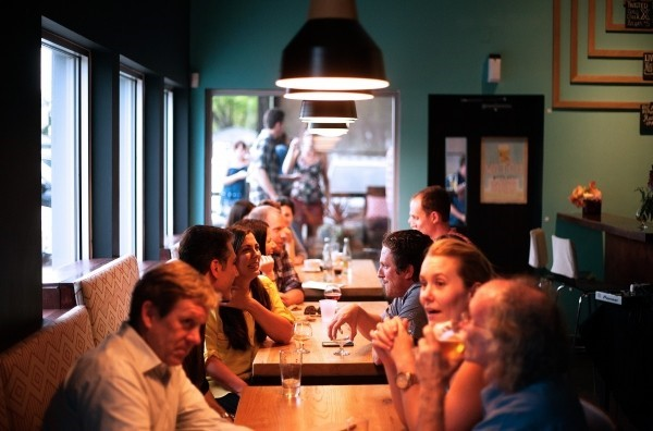 How to Find Awesome Restaurants While Traveling