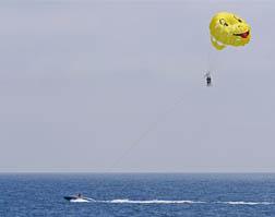 Sundance Vacations parasailing